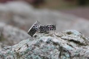 Обручальное Кольцо с камнем широкое