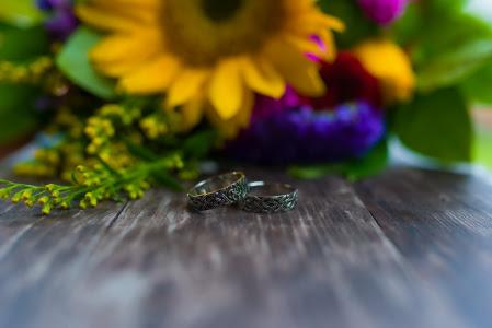 Заказали эти прекрасные кольца на свадьбу