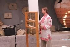 """Профессиональный звонарь Габриэль Гайденак в рубахе от """"Велеса"""""""