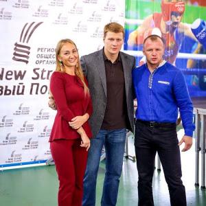 Александр Шлеменко, известный боец ММА носит наши рубахи