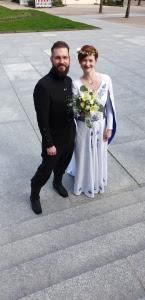 Свадебный наряд для наших покупателей из Германии: мужской костюм из натуральной шерсти, брюки изо льна, косоворотка льняная, платье женское.